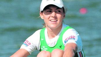 2001: Sinéad Jennings win gold medal at World Rowing Championships