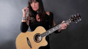 Acclaimed Donegal singer songwriter  releases her new EP today