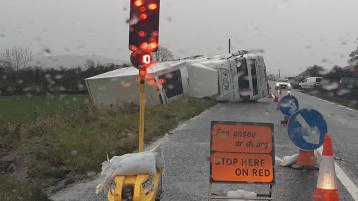 Busy Donegal road blocked by overturned lorry