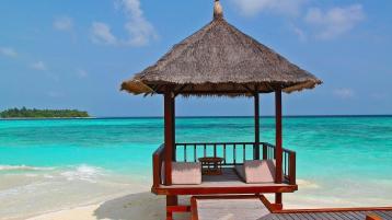holiday beach hut PIXABAY
