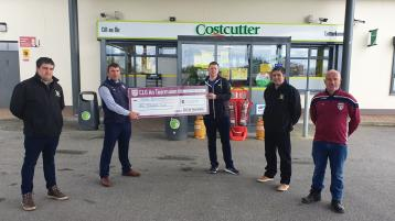 Lucky winner of Termon GAA Club Lotto jackpot presented with prize