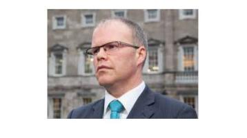 Aontú leader throws supports Donegal mica battle for justice