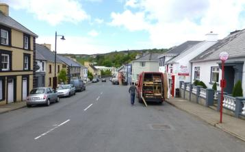Donegal minister called on to save post office facing closure