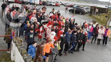 Great turnout for Rashenny Festive Walk