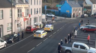 WATCH: Former colleagues and Donegal community pay respectful tribute to late retired garda
