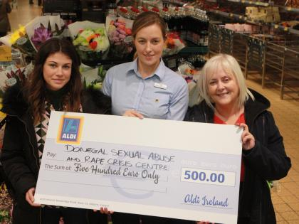 Aldi staff to their bit for charity - Donegal Democrat