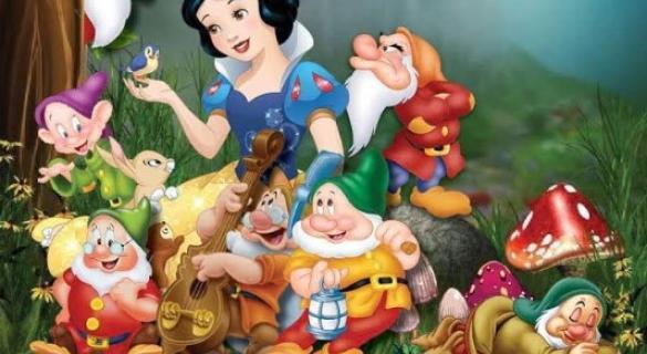 Snow White panto poster