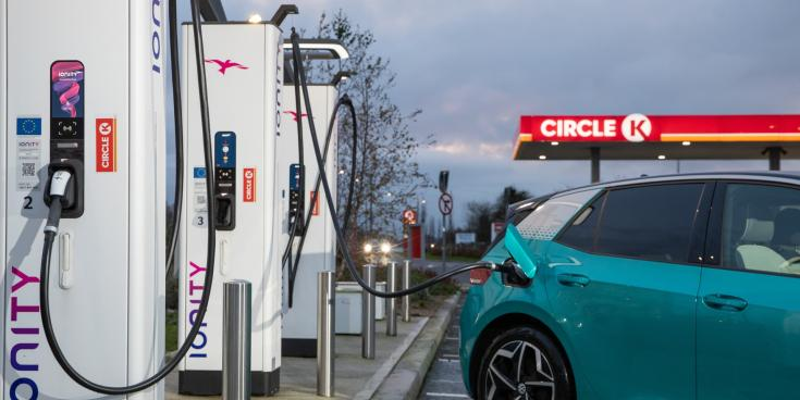 Half of drivers not making electric switch due to inadequate charging network