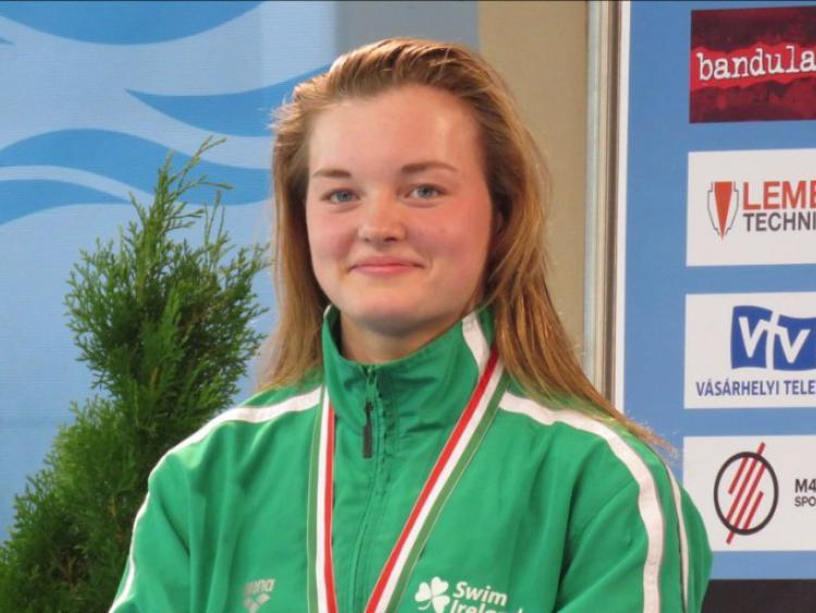 Gold medal for Mona McSharry at World Junior Swimming Championships