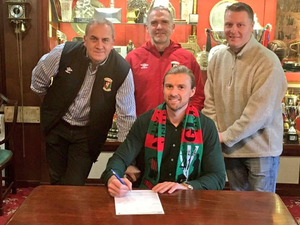 Cowan signed for Glentoran
